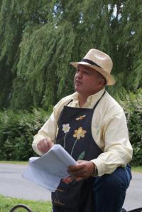 Idée de Sortie Arcomps Visite Guidée d'Ainay le Vieil et du Canal de Berry avec le Poète Enchanteur