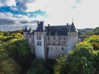 Chateau de Saint-Brisson-sur-Loire Loiret