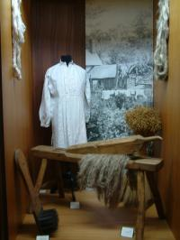 Musée de la chemiserie et de l'élégance masculine et son jardin textile-Credit-Musee-de-la-Chemiserie