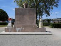 Idée de Sortie Charny sur Meuse MONUMENT - BORNE VOIE SACRÉE
