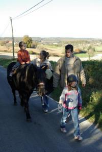 Idée de Sortie Bourdeilles Balade à poney