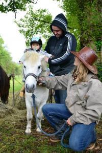 Idée de Sortie Mazeyrolles Au cheval qui brouste