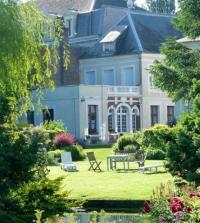 Location de vacances Long Location de Vacances Au Jardin des Deux Ponts