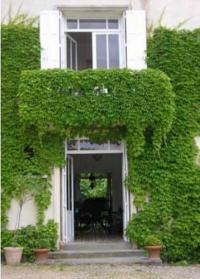 Location de vacances Saint Rémy Location de Vacances Chateau Fayolle-Luzac