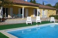 Child-friendly Villa in Bagnols-en-Foret with Private Pool-Loustalet