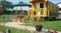 Location de vacances Monlet Location de Vacances Les Roulottes de la Ferme des Chanaux