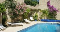 Location de vacances Milhaud Location de Vacances Villa Catherina