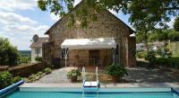 Location de vacances Saint Hilaire Fontaine Location de Vacances Petite Maison Lanty