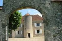 Location de vacances La Celle sur Nièvre Location de Vacances Le Vieux Château