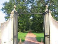 Location de vacances Avrilly Location de Vacances Domaine du Château de Marchangy
