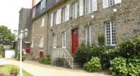 Location de vacances Sougéal Location de Vacances Chambre d'hôte Entre Mont et Merveille