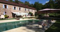 Location de vacances Combret Location de Vacances La Soulière