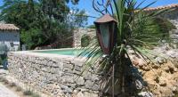 Location de vacances Saint Julien de la Nef Location de Vacances Le Jardin aux Sources