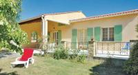 Location de vacances Saint Christol Location de Vacances Holiday home Le Clos du Puit