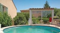 Location de vacances Saint Trinit Location de Vacances Apartment Route des Cartouses
