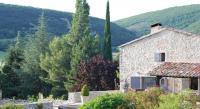 Location de vacances Revest du Bion Location de Vacances Le Clos des Amandiers
