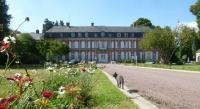 Location de vacances Berneuil en Bray Location de Vacances B-B Château De La Houssoye