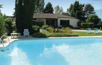Location de vacances Clermont de Beauregard Location de Vacances Holiday Home Boulevard Eugene Le Roy