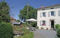 Location de vacances Moncoutant Location de Vacances Holiday Home La Richardiere