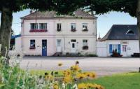 Location de vacances Buneville Location de Vacances Holiday Home Bouber Sur Canche Bis Place General De Gaulle