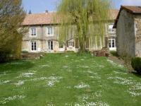 Location de vacances Romain aux Bois Location de Vacances La Maison De Marie-Claire