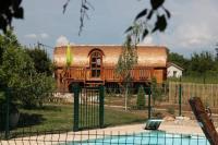 Location de vacances Salles Arbuissonnas en Beaujolais Location de Vacances Les Roulottes Viticoles