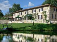 Location de vacances Rouzède Location de Vacances Domaine Brise Bois