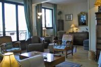gite Vincennes Apartment Living Jean Nicot