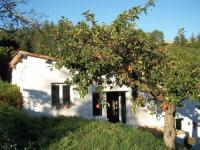 Location de vacances Saint Barthélemy le Meil Location de Vacances La Petite Maison Blanche