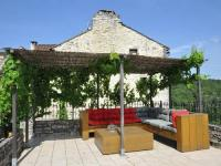 Location de vacances Les Junies Location de Vacances Holiday home Compostella 1