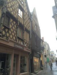 Gîte Brinay Gîte L'Appartement de la Maison du Théatre Saint Bonnet