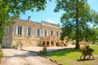 gite La Lande de Fronsac Chateau Bavolier