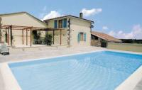 Location de vacances La Rochefoucauld Location de Vacances Holiday home Cherves-Chatelars 50