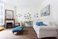 gite Montreuil onefinestay - Canal Saint-Martin - République private homes