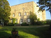 Location de vacances Ceyssat Location de Vacances Château de Saint Bonnet