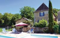 Location de vacances Le Lardin Saint Lazare Location de Vacances Holiday home Laularie N-618