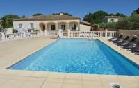 Location de vacances Remoulins Location de Vacances Holiday home Castillon-du-Gard UV-1300