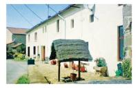 Location de vacances Folles Location de Vacances Holiday home St-Amand-Magnazeix MN-901