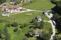 Location de vacances Saint Pierre du Val Location de Vacances Holiday home Le clos du phare
