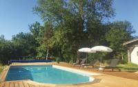 gite Singleyrac Holiday home Serres et Mantguyard 66 with Outdoor Swimmingpool