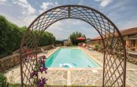 tourisme Chirassimont Holiday home Mardore 33 with Outdoor Swimmingpool