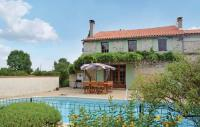 gite Saint Léger Holiday home St.Simon de Pellouaill with Outdoor Swimming Pool 376