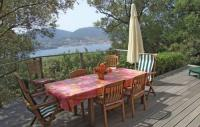 Location de vacances Casalabriva Location de Vacances Three-Bedroom Holiday home Olmeto with a Fireplace 06