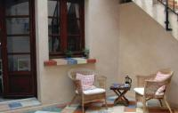 Location de vacances Corneilhan Location de Vacances Three-Bedroom Holiday home Arago 06