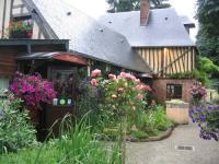 Gîte Saint Arnoult Gîte Auberge du Val au Cesne