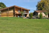 Location de vacances Montrollet Location de Vacances Les Coquelicots