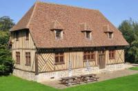 Vintage Holiday Home in Offranville with spacious Garden-Le-Manoir