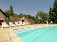 Pleasant Cottage with Pool in Vezac South of France-Demie