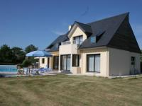 Spacious Villa in Concarneau with Swimming Pool-Le-grand-Large