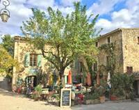 Gîte Maubec Gîte Le Petit Cafe